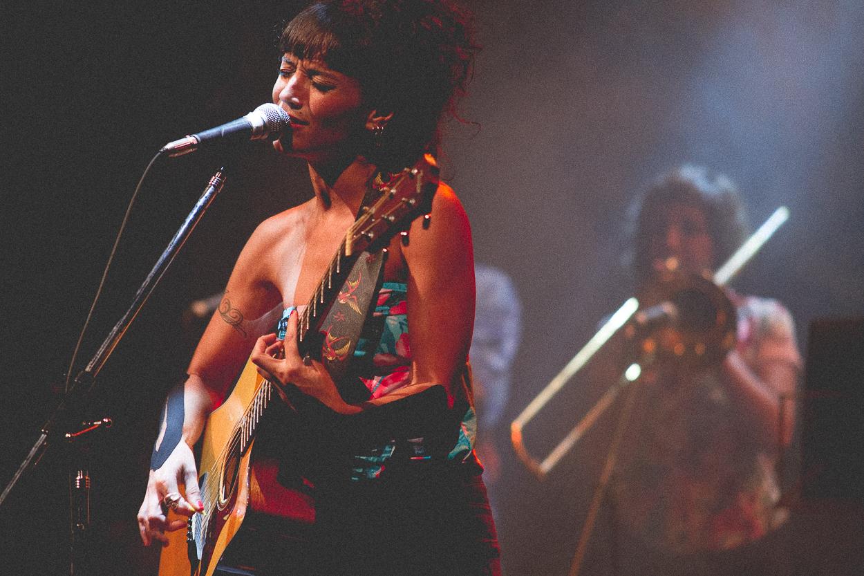 El existencialismo suena a música: Sol Pereyra presentó Tirame Agua