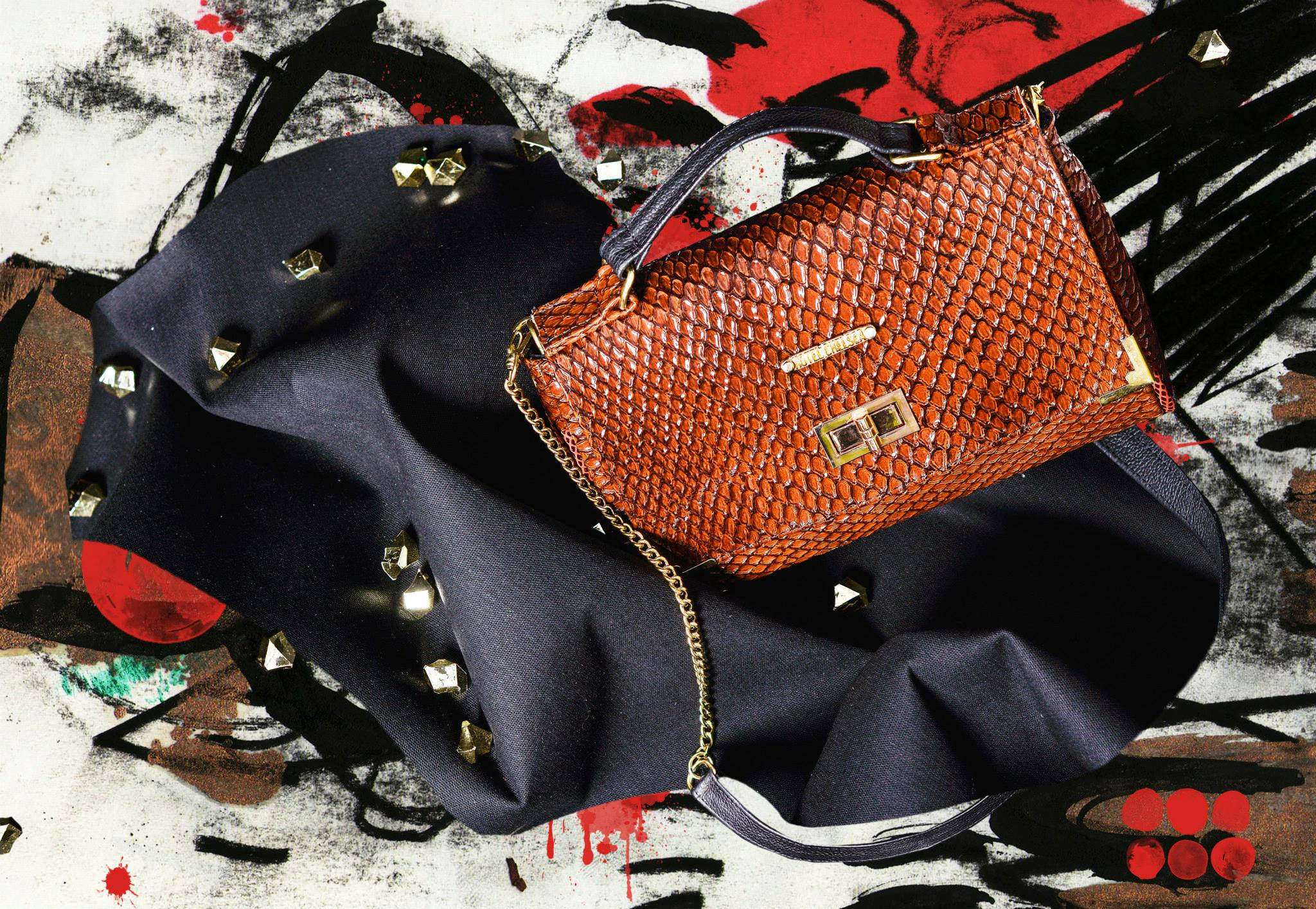 Hotel Chelsea Bags: Amor Sideral