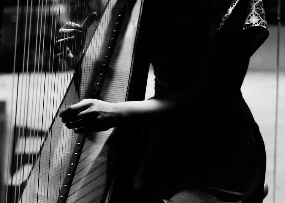 Entre las melodías y los experimentos musicales: Mariana Paraway, Telescopios y Morsa Light en Club Paraguay