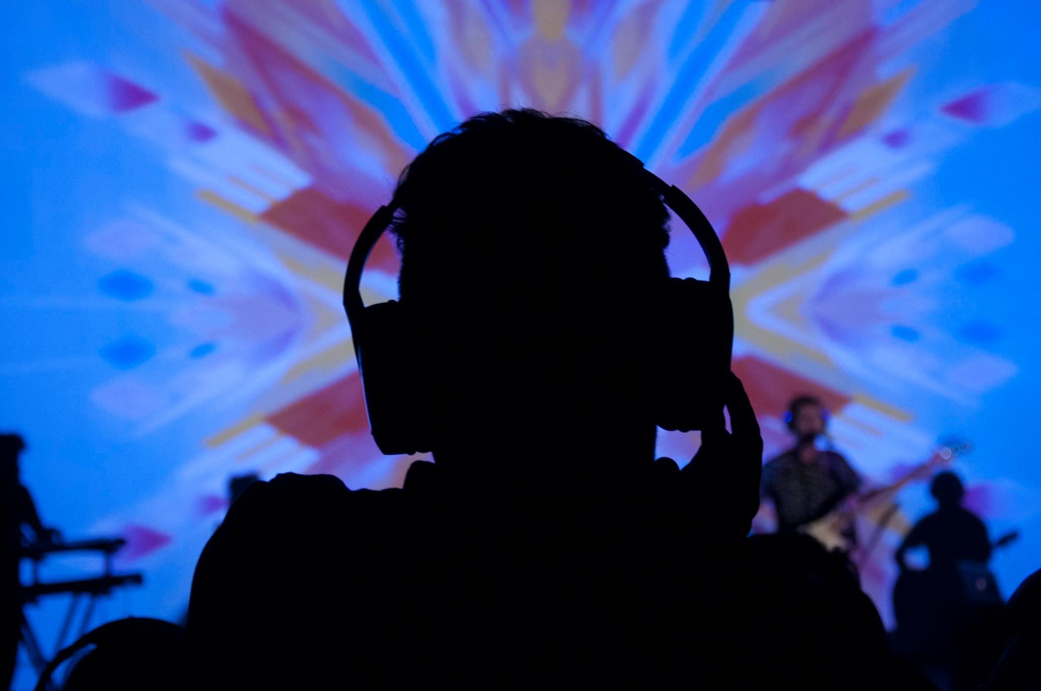 Rayos Láser: música para auriculares