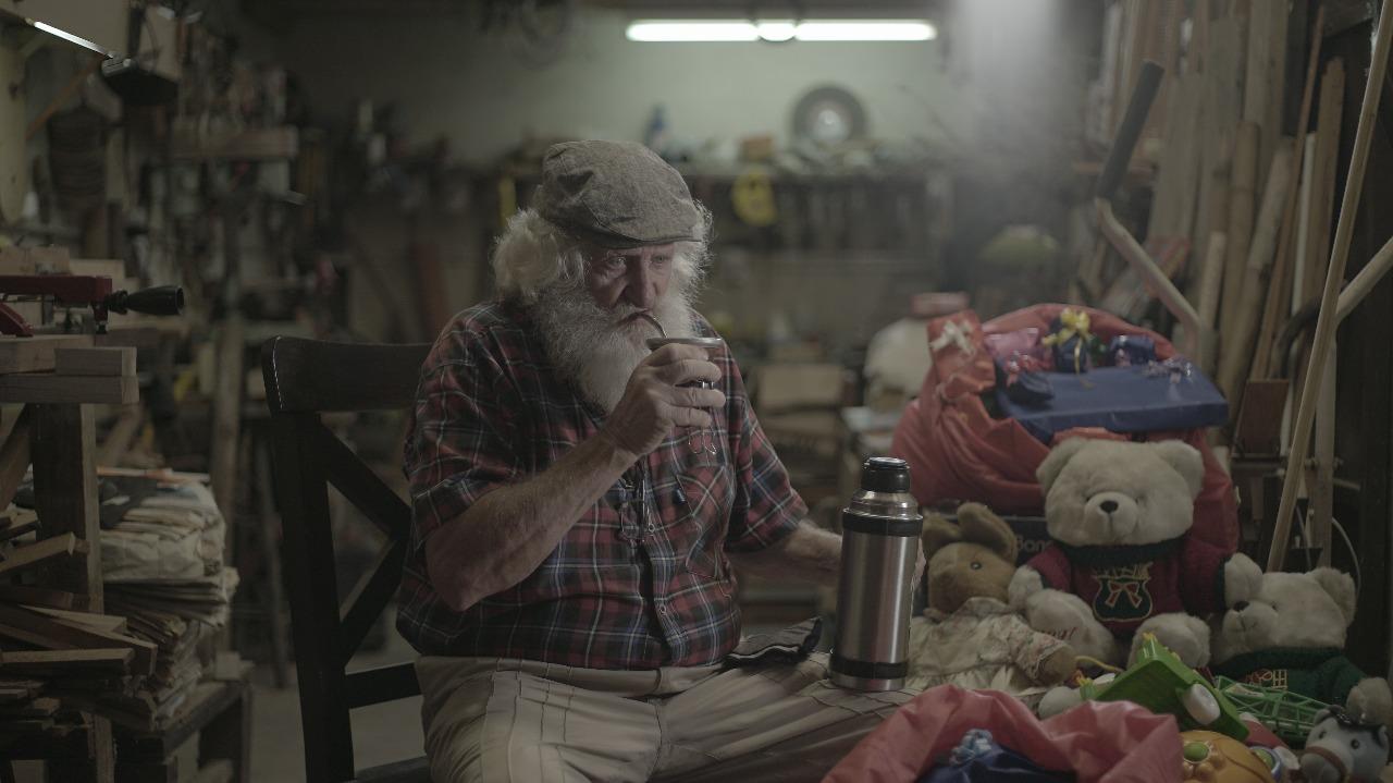 Patio Olmos expande la historia de «El Gaucho Noel» desde Traslasierra