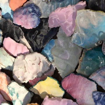 TEM: los paisajes del sur en aros de cerámica